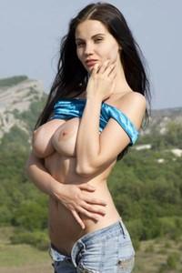 Model Samantha in Sweet Illusion